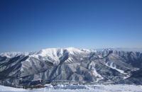 快晴の日、苗場スキー場から